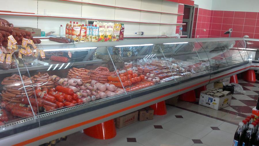 Продовольственная витрина изготовлена для супермаркета «Хамкор»