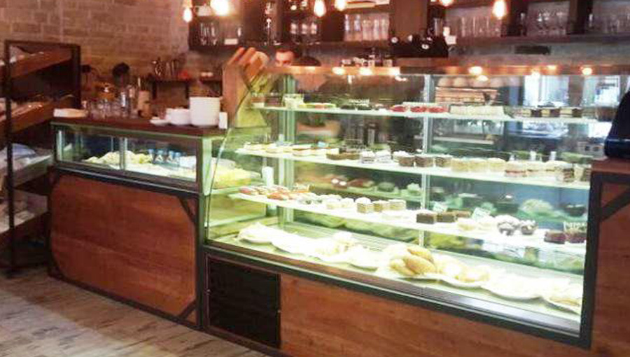 Confectionery showcase made for Black Bear Kofi coffee shop Temperature range + 5 / + 8 ° С. Cooling is dynamic.
